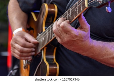 Eletric guitar player and hands