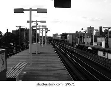 elevated train platform in Chicago
