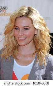 Elizabeth Banks at the 2010 Stand Up To Cancer, Sony Studios, Culver City, CA. 09-10-10
