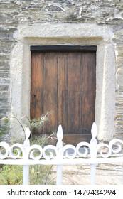 Elizabethan front door of a fishing cottage. Front door of a fisher mans cottage in Cornwall, England.