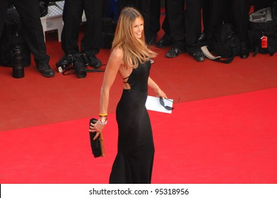 "Elle Macpherson at screening for ""Le Schaphandre et le Papillon"" at the 60th Annual International Film Festival de Cannes. May 22, 2007  Cannes, France.  2007 Paul Smith / Featureflash"