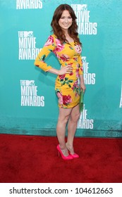 Ellie Kemper at the 2012 MTV Movie Awards Arrivals, Gibson Amphitheater, Universal City, CA 06-03-12