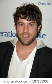 Elliott Yamin  at Operation Smile's 7th Annual Smile Gala. Beverly Hilton, Beverly Hills, CA. 09-18-08