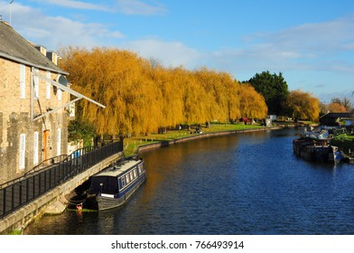 ELY, CAMBRIDGESHIRE/UK - November 26, 2017. Winter colours by the River Great Ouse, near Waterside, Ely, Cambridgeshire, England