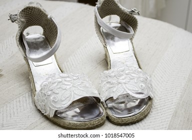 Embroidered bridal shoes for wedding, celebration and accessories