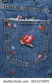 embroidered floral Jeans skirt –pocket texture