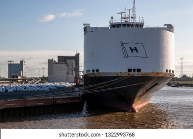 Hoegh Autoliners Images, Stock Photos & Vectors | Shutterstock