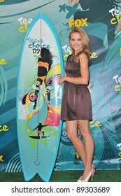 Emily Osment at the 2009 Teen Choice Awards at the Gibson Amphitheatre Universal City. August 9, 2009  Los Angeles, CA Picture: Paul Smith / Featureflash