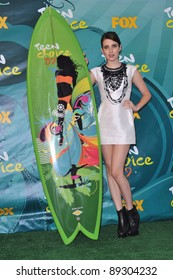 Emma Roberts at the 2009 Teen Choice Awards at the Gibson Amphitheatre Universal City. August 9, 2009  Los Angeles, CA Picture: Paul Smith / Featureflash