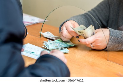 The employee receives payment in polish zloty