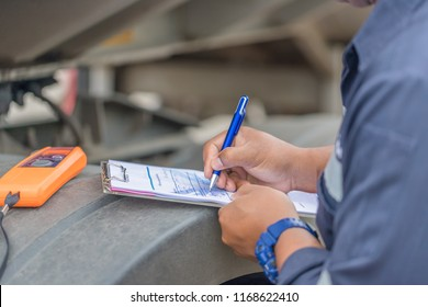 Employers checking drivers for alcohol usage before driving,Handheld Breath Alcohol Tester Analyzer Electronic Device  Check Drunk Car Driver Alcohol Safety Roadside Checkpoint.