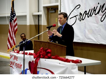 Emporia, Kansas, USA, 8th April, 2015Kansas Gavernor Sam Brownback presides over the ribbon cutting ceremony today at the Hostess Twinkie plant in