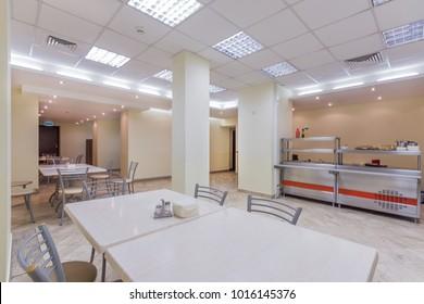Leeres Esszimmer im Bürozentrum oder an der Universität