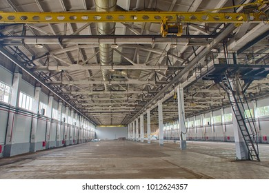 empty factory shop with pillars