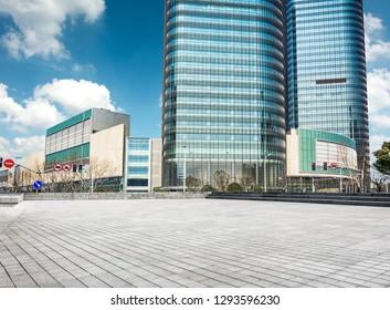 empty floor front of modern building