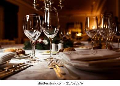 Table setting for celebration : fine dining table setting - pezcame.com