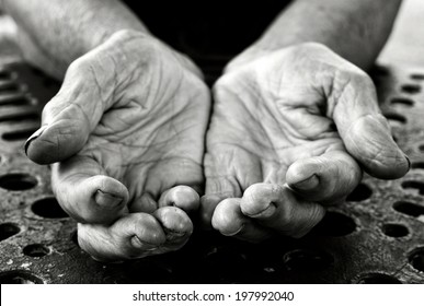 Empty old lady hands in black and white