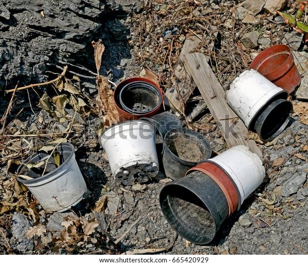 Empty pot on the ground