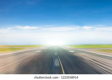 Empty road with the effect of the speed of movement