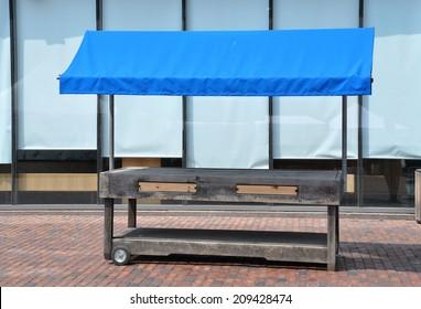 Empty stall