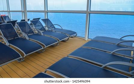 Marvelous Fotos Imagenes Y Otros Productos Fotograficos De Stock Creativecarmelina Interior Chair Design Creativecarmelinacom