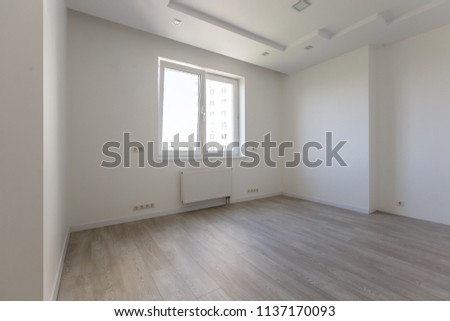 Empty white room wooden parquet floor stockfoto jetzt bearbeiten