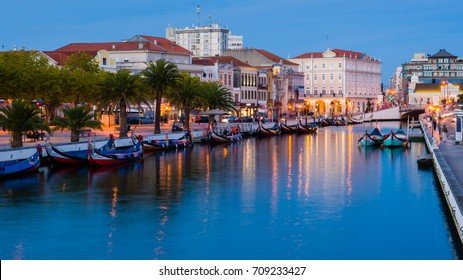 End of the day in the central channel of the Ria de Aveiro