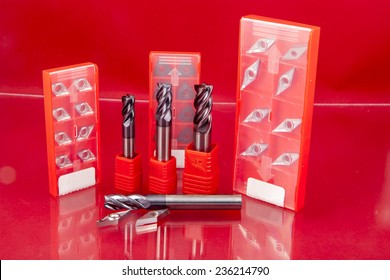 End mill cutter and inserts of  turning machine