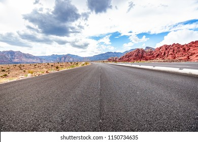 Endless highway in the middle of Red Rock National Park, Las Vegas, Nevada.