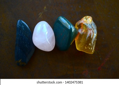 Energy Balancing Grid Kit, Fertility. Tumbled Crystal Bundle: Rose Quartz, Amber, Blue Tigers Eye, Bloodstone Energy Cleaning. Witchcraft, reiki healing crystals. Rare minerals, macro photography