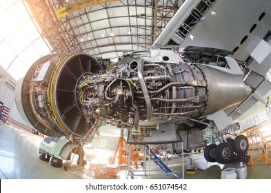 Engine aircraft without a hood, for repair, inspection.