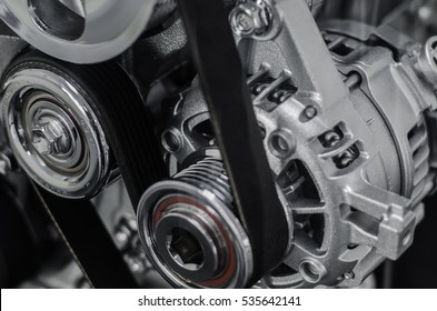 The engine consists of the starter,gear,belt,chain