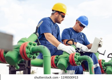 Engineer in the oil and natural gas field, pipeline, refinery