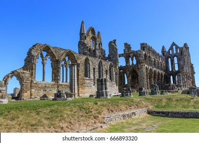 England, North Yorkshire, Whitby. Ruins of Benedictine monastery, Whitby Abbey. Inspiration for early English poet Caedmon, and for Bram Stoker's gothic tale Dracula.