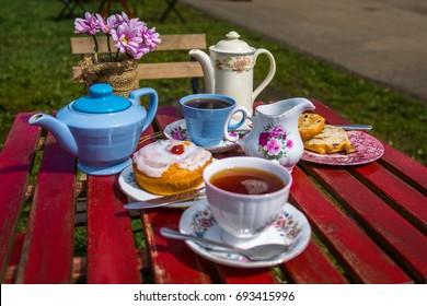 English afternoon Tea & Cake for two with pastry