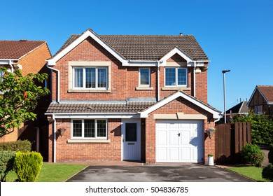 English detached house with garage