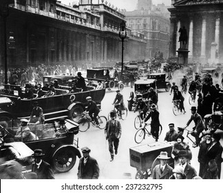 English General Strike Londoners in front of the Bank of England.
