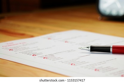 Englisch Multiple Choice Test auf Tabelle