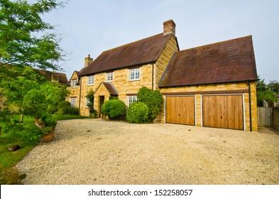 Allee Maison allée maison graviers images, stock photos & vectors | shutterstock