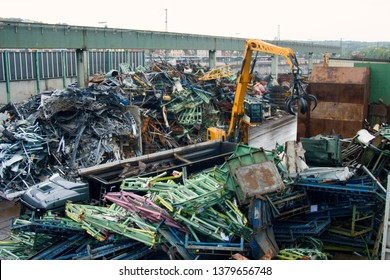 Enterprise for collection and recycling of scrap metal (scrap-metal drive, recycling), loading operations