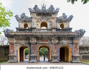 Entrance gate to the king's town of Hue., Vietnam. A UNESCO World Heritage Site. Hue, Vietnam