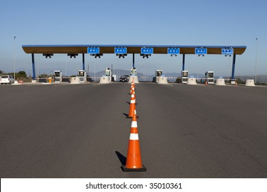 Entrance of a highway toll checkpoint