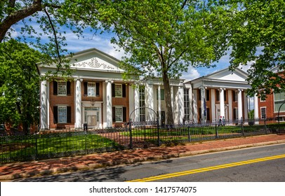 Entrance to Loudon County Courthouse in Leesburg, Virginia, USA on 15 May 2019