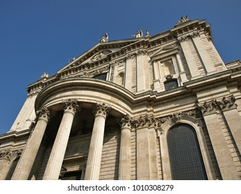 Entrance of Saint Paul Cathedral in London