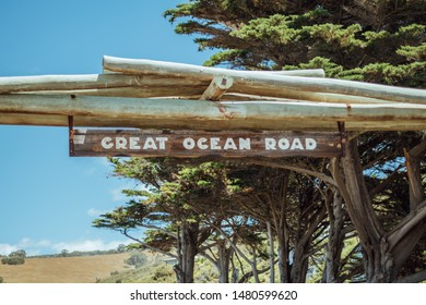Entrance sign to the great ocean road, route that runs along the South Australian coast from Melbourne to Adelaide. Entrance Poster Guide. wooden sign.