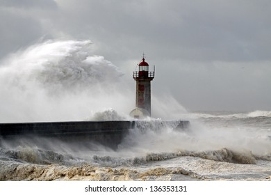 Entry of Douro River harbor during a big storm