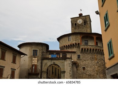 Entry the fortication village of castelnuovo garfagnana in tuscany