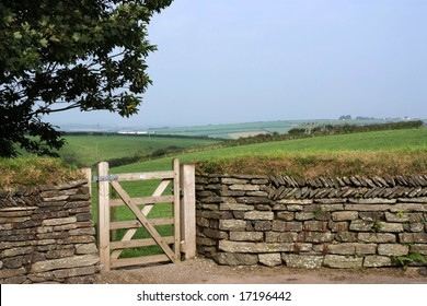 Entry into a field through gate in a traditional dry-stone wall