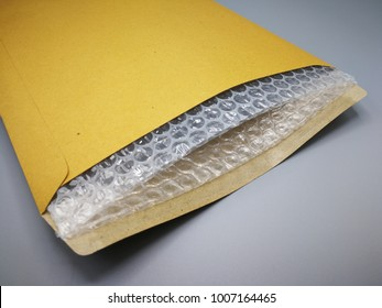 Envelope with bubble wrap for prevent something from bumping or shockproof