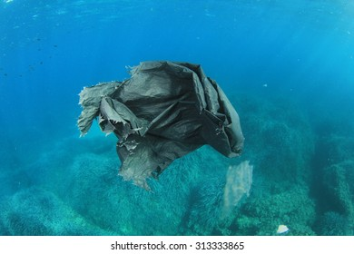 Environmental pollution problem plastic bag in sea